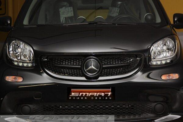 Front grille SLS in black with original Mercedes emblem for Smart Fortwo 453