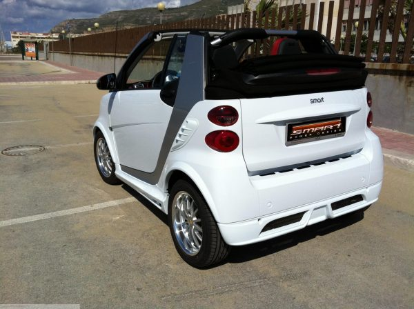 Body Kit in color white rear Smart Fortwo 451