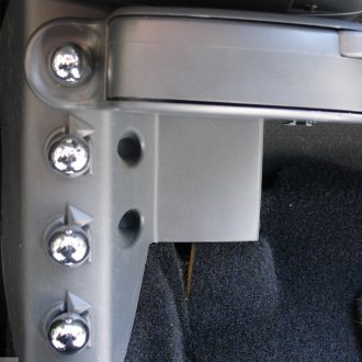 Screw caps for extra fittings in finish chrome for Smart Fortwo 450