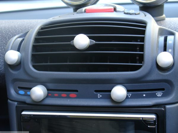 Heater Sliding Control knobs in aluminium of the centre console for Smart Fortwo 450