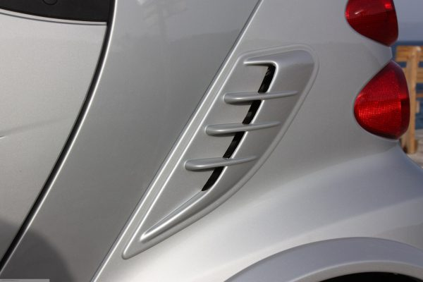 Side air scoop for Smart Fortwo 451 in color river silver