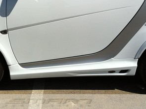 Side skirts for Smart Fortwo 451 in color cyrstal white