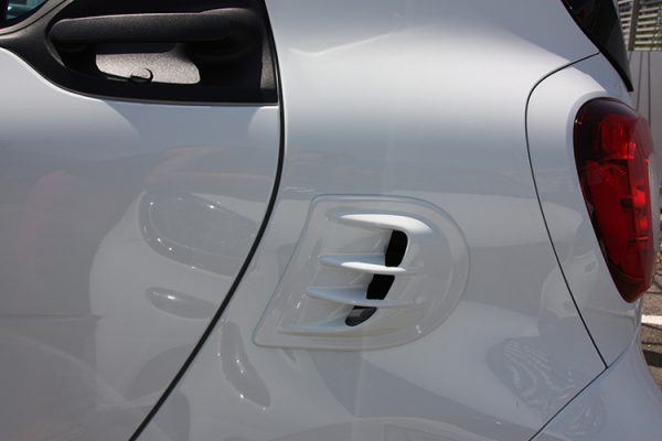 Side Air scoop in color white acrylic for Smart Fortwo 453