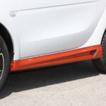 Side skirts for Smart Fortwo 453 coupé and cabrio in color lava orange