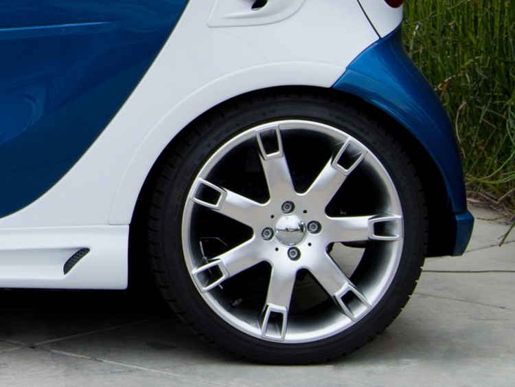 Side skirts for Smart Fortwo 453 in color white acrylic